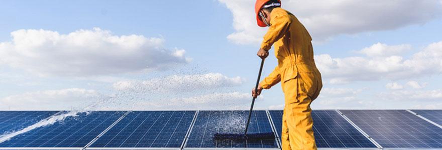 Matériel de nettoyage de panneaux photovoltaïques